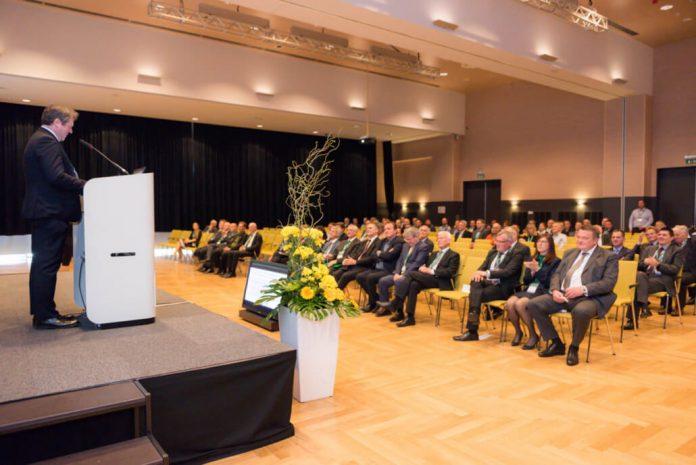 Kaj se je dogajalo na 14. Konferenci elektroenergetikov v Laškem